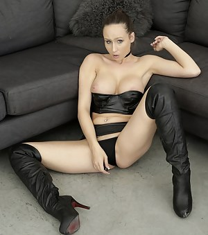 Leather Porn Pictures
